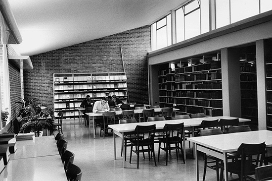 50-75 1979 Reading room in Northerns Library